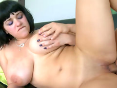 Cute short-haired babe was fucked in her chubby..