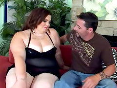 Fat brunette angie luv is sucking a horny dick