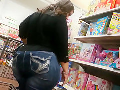 Another huge white bbw shopper ass