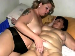 Fat granny gets pussy massaged