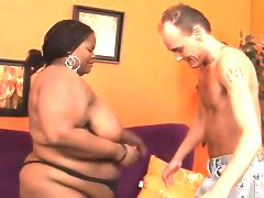 Fat girl seduces pretty fellow to team fuck her..