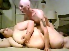 Big woman and a small guy fuck