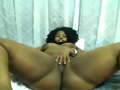 Big ebony webcam slut